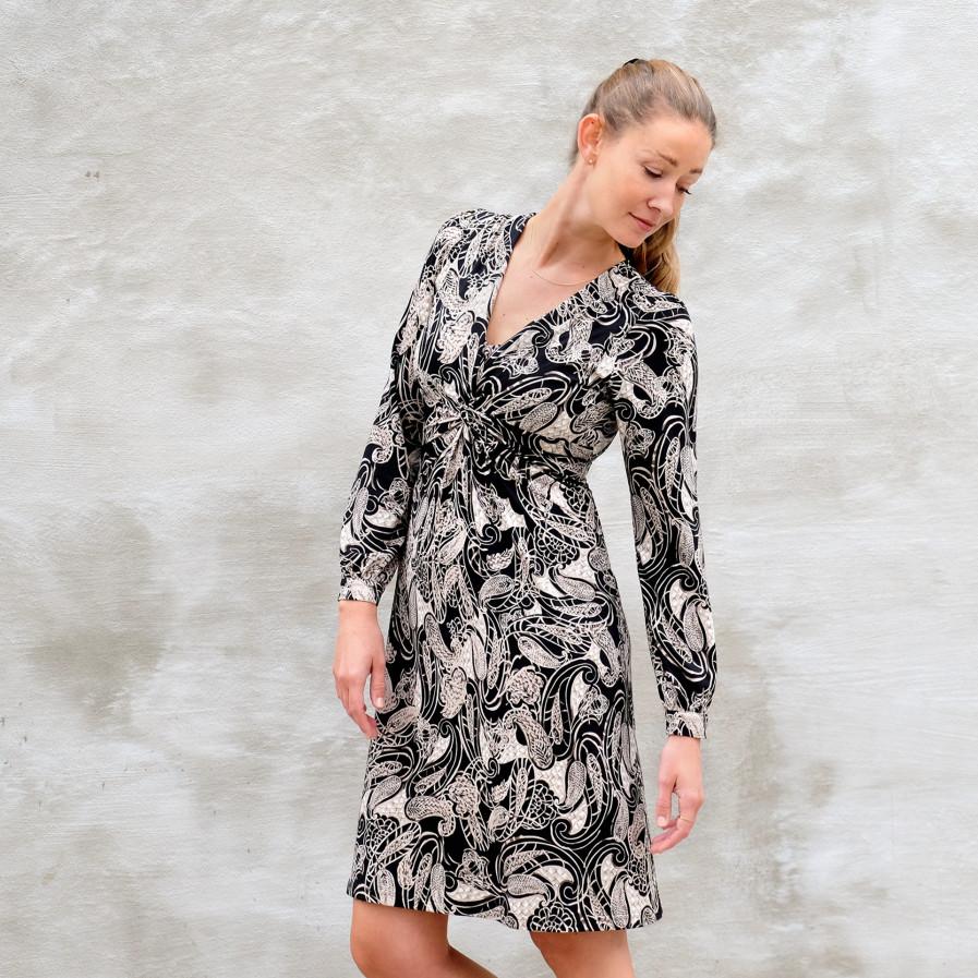 Julia Kleid 1